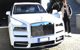 Cristiano Ronaldo khoe Rolls-Royce Cullinan mới sắm, người Việt vẫn ngóng đợi xe về để chiêm ngưỡng