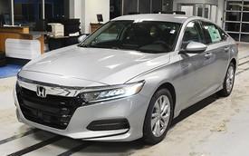Toyota Camry, Honda Accord gồng mình thay đổi trước cuộc ép giá của Mercedes C-Class tại Việt Nam