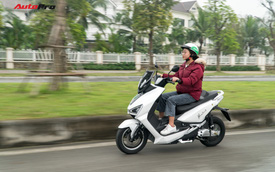 38 km trải nghiệm xe máy điện Pega Newtech: Đủ bộc lộ rõ ưu nhược điểm của xe tự xưng 'sát thủ tay ga'