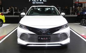 Toyota Camry 2019 chốt lịch ra mắt tại Việt Nam, chỉ còn chờ Honda Accord