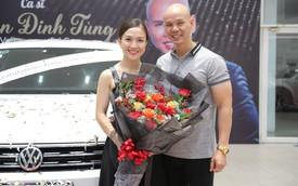 Trước thềm 8/3, ca sĩ Phan Đinh Tùng tay trong tay cùng vợ sắm SUV 7 chỗ tiền tỉ