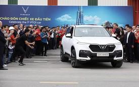 SUV VinFast đầu tiên lăn bánh khỏi dây chuyền lắp ráp ở Việt Nam, bắt đầu xuống đường chạy thử nghiệm