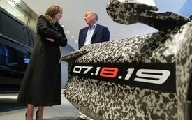 Chevrolet C8 Corvette bất ngờ lộ diện, chốt ngày ra mắt