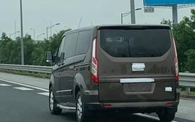 'Tóm gọn' Ford Tourneo chạy thử - Đối thủ mới của Kia Sedona tại Việt Nam