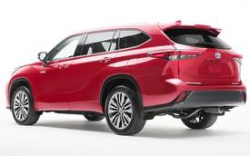 Những điểm nhấn khó bỏ qua trên Toyota Highlander mới vừa ra mắt mà Ford Explorer cần dè chừng