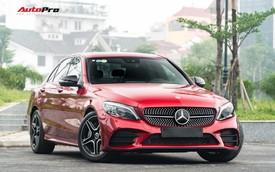 Mới đi 1.000km và bốc biển 10 ngày, đại gia Hà Nội bán lại Mercedes-Benz C300 AMG 2019 với mức giá bất ngờ