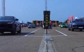 Lamborghini Urus đua với Porsche Cayenne Turbo: Kết quả dễ đoán nhưng đoạn đầu gây bất ngờ