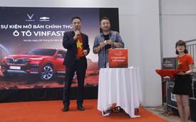 Đại lý VinFast-Chevrolet nhanh chóng chốt thêm nhiều hợp đồng trong ngày khai trương đầu tiên