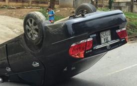 Clip: Khoảnh khắc lao xuống rãnh, xe Camry lật ngửa 'phơi bụng' như phim hành động