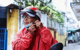 """Cụ bà 73 tuổi chạy xe ôm công nghệ để nuôi cháu ở Sài Gòn: """"Nhiều khi buồn tủi lắm, dính mưa là về bệnh nằm luôn..."""""""