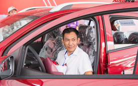 Nhận xe VinFast Fadil: Người lặn lội hàng trăm km lên Hà Nội, người mua luôn 4 chiếc
