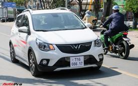 VinFast tung video khách hàng Việt Nam đánh giá nhanh Fadil sau khi tranh nhau lái thử, lập kỷ lục số lượng người thử xe