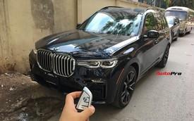 Diện kiến và bóc tách trang bị trên BMW X7 đầu tiên Việt Nam: Có cả tuỳ chọn như xe Rolls-Royce