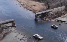 """""""Bản lĩnh"""" của trộm Nga: Không thèm trộm xe máy, ô tô mà cuỗm hẳn cả cây cầu"""
