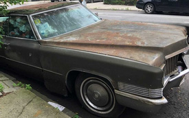 Chiếc Cadillac án ngữ ở lề đường 25 năm chuẩn bị được dời đi