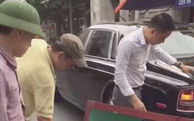 Hà Nội: Rolls-Royce Phantom lùi phải xe máy chở đá, tài xế lên tiếng khiến cư dân mạng khó hiểu