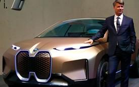 Sếp BMW từ chức sau khi khiến hãng mất vị trí top 1 vào tay Mercedes-Benz