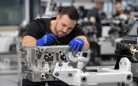 Mercedes dùng động cơ xe bình dân: 'Giờ khách hàng chẳng mấy ai quan tâm xuất xứ động cơ khi mua xe nữa!'
