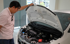 Hét giá phụ kiện đắt hơn gấp 10 lần bên ngoài - Bóc mẽ chiêu trò đại lý ô tô qua mặt khách Việt