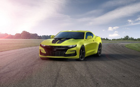 Góc cà khịa cực căng: Chevrolet Camaro trợ giá cao chưa từng thấy cho chủ xe Ford Mustang