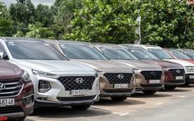 Dàn xe hơn 100 chiếc Hyundai nối đuôi nhau đi sự kiện ở Sài Gòn