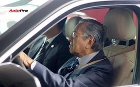Thủ tướng Malaysia lái thử VinFast Lux SA2.0: 'Xe đẹp, khoẻ nhưng tiếc mới được lái 100km/h'