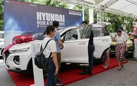 Không kiêng tháng cô hồn, dân Việt săn mua ô tô siêu giảm giá