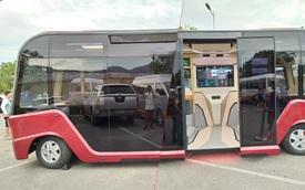 Xe buýt VinFast lộ diện hoàn toàn với ngoại thất toàn kính và nội thất hiện đại như phim viễn tưởng