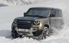 Trông 'chuẩn man' thế này mà Land Rover Defender được vinh danh là xe của... phụ nữ, lật đổ ngôi vị của Mazda3