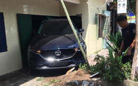 Nam thanh niên Thái Bình lùi xe Mazda CX-5 sập tường nhà bố mẹ