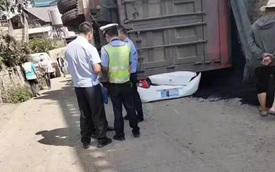 Người đàn ông sống sót thần kỳ sau 4 tiếng nằm dưới xe container 80 tấn