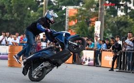 Những màn trình diễn 'chất chơi' của stunter Thái Lan trên xe máy điện MBI tại Việt Nam
