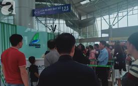 Ảnh hưởng áp thấp nhiệt đới Kajiki, nhiều hành khách bay từ Đà Lạt về Hà Nội bị trễ chuyến