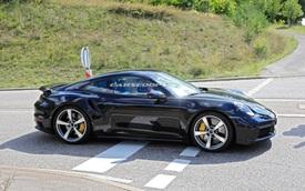 Sau những mòn mỏi chờ đợi, đây chính là những hình ảnh 'bằng xương bằng thịt' của Porsche 911 Turbo Coupe/Cabrio