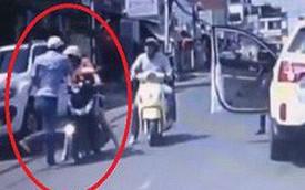 Người đàn ông tát phụ nữ đi xe máy gây phẫn nộ lên tiếng xin lỗi bằng đoạn clip hơn 1 phút