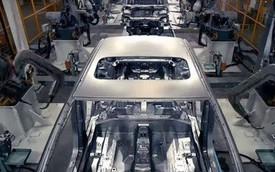 Bên trong nhà máy ô tô điện lớn nhất Trung Quốc, 90 giây lắp xong một xe