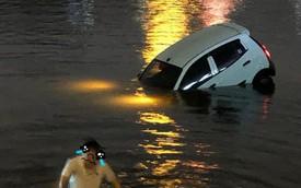 Đạp nhầm chân ga, tài xế phi xe ra giữa hồ Linh Đàm, người chứng kiến hoảng: Sao bay được?