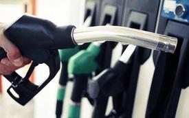 Giá xăng giảm hơn 300 đồng/lít kể từ 15 giờ chiều ngày 1/8