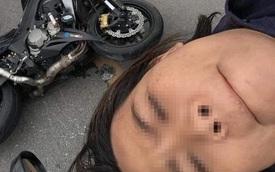 Bị tai nạn, người phụ nữ vẫn nằm nguyên trên nóc ô tô selfie với hiện trường