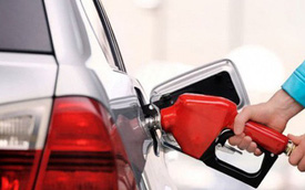 Giá xăng giảm nhẹ kể từ 15 giờ chiều nay