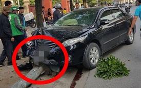 Ô tô đâm đổ cột đèn nát đầu, điều may mắn chính là pha thoát nạn của tài xế xe ôm công nghệ