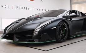 Mãn nhãn công đoạn lau chùi, bảo vệ Lamborghini Veneno Roadster siêu hiếm