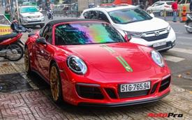 Cận cảnh lớp áo Gucci cực lạ trên Porsche 911 Targa 4 GTS độc nhất Việt Nam