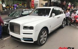 Bắt gặp Rolls-Royce Cullinan chính hãng đầu tiên tại Việt Nam