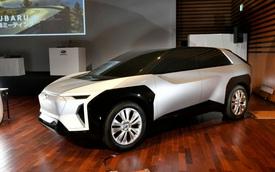 Hé lộ ảnh đầu tiên của SUV hoàn toàn mới 'Toyota + Subaru'