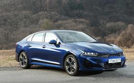 Kia Optima chuẩn bị bổ sung thêm tuỳ chọn đắt giá nhằm đối đầu Toyota Camry và Honda Accord