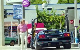 Tổng thống Donald Trump từng sở hữu siêu xe nào?