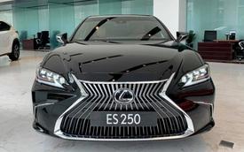 Lexus ES 250 2020 giá 2,54 tỷ đồng về Việt Nam: Thêm công nghệ để bám đuổi Mercedes E-Class