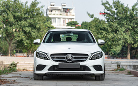 Cần đổi SUV chạy Tết, chủ nhân Mercedes-Benz C200 bán xe sau 1.600 km với giá đắt hơn VinFast Lux A2.0 gần 100 triệu đồng