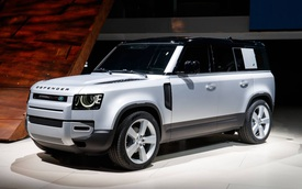 Land Rover Defender 2020 chốt giá từ 3,715 tỷ đồng tại Việt Nam
